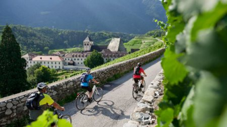 Bike and culture in South Tyrol's towns